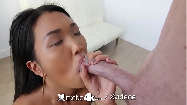 EXOTIC4K Soaking wet pussy POUNDED with juicy creampie