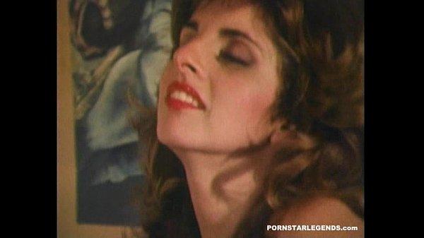 Vintage porn sluts anal fucked in threesome sex