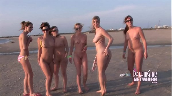 7 Spring Breakers Getting Naked In Public