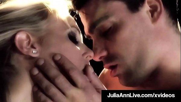 Busty Cougar Julia Ann Puffs On Cigar & A Dick On Broadway!
