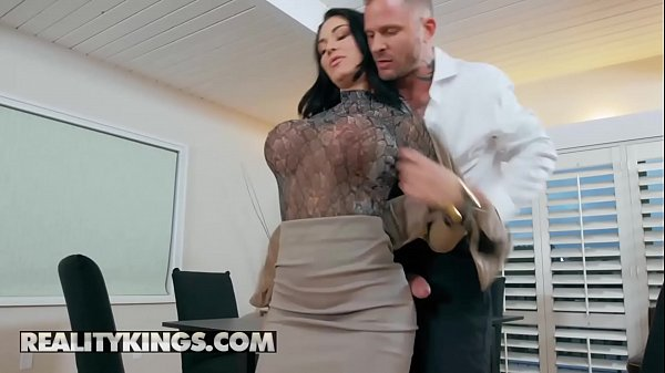 RK Prime - (Brooke Beretta, Scott Nails) - Working For Cummission - Reality Kings