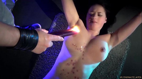 Red punished ass suffering harsh whipping in bondage