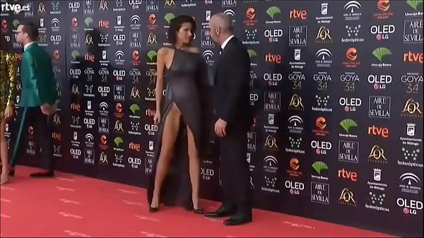 Upskirt de Maria Luisa Mayol en los GOYA 2020 -...