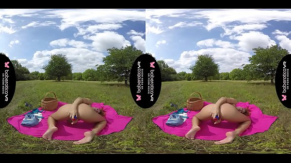 Solo Ornela Morgan is masturbating in the nature, in VR