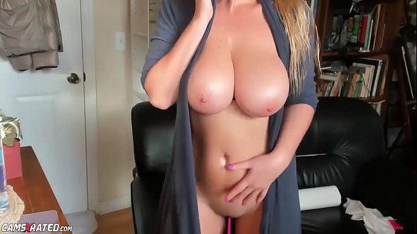 סרטון פורנו Very Busty Blonde Babe Maid Live