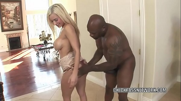 Horny slut Mariah Madysinn takes some dick in h...