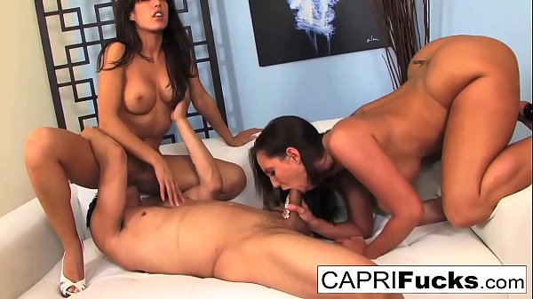 Capri Cavanni and Kelly Divine get fucked Thumb