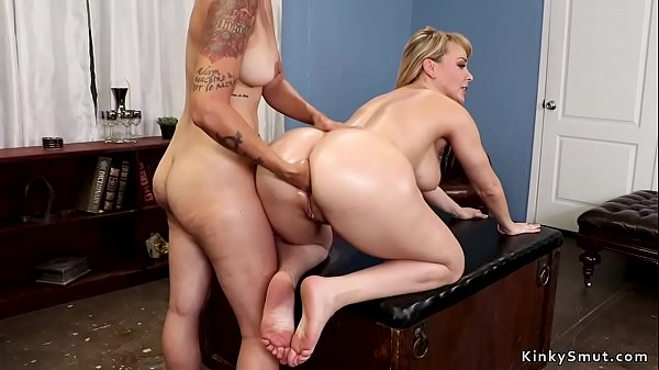 Blonde therapist anal fists big ass babe Thumb