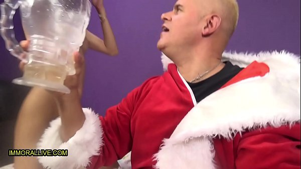 V ROD Very Merry Squirting Christmas – Veronica Rodriquez & Psycho Santa Tag Team Shy Gwen! Part 1 Thumb