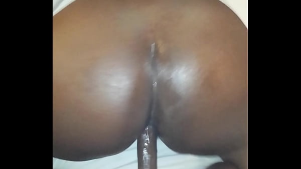 throwing back that ass pt1
