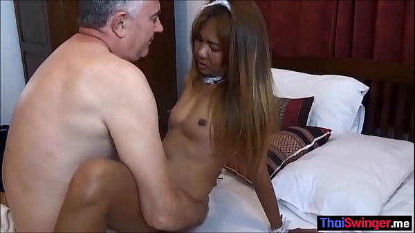 Amateur Thai maid having fun after her shift
