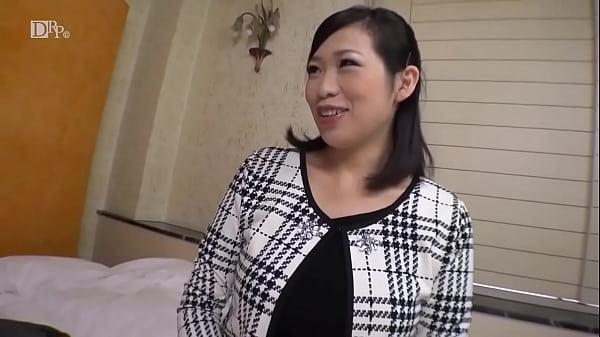 I'm Glistening I Don't Know My Family ~ Unfussy G Cup Wife ~ Mayumi Nagata 1