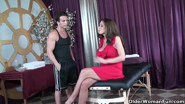 Soccer milf Hunter Bryce gets fucked on massage table
