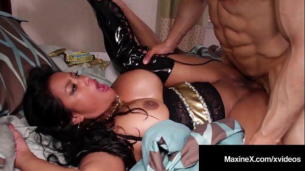 Dick Drilled Cambodian Cougar Maxine X Fucked By Latino Cock