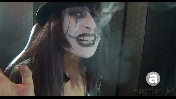 goth smoking styles