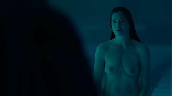 Kathryn Hahn full frontal skinny-dip in Mrs. Fl...