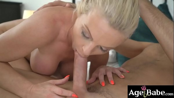 Naughty maid Franny slobbers John's man meat in her mouth