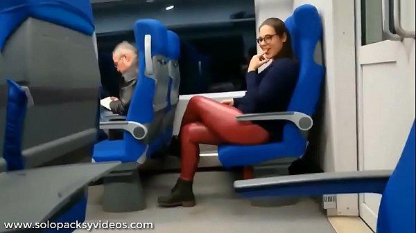 Chupando verga en el autobus (Recomendado)