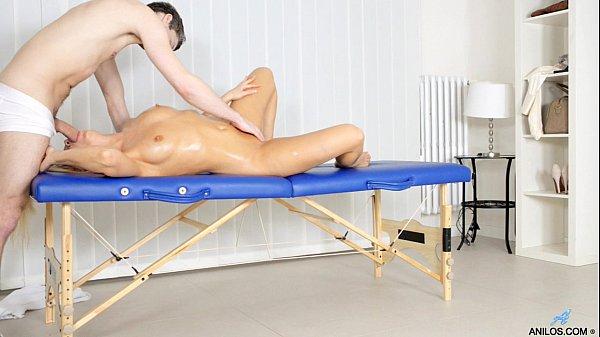 Mature cougar milks cock after hardcore massage
