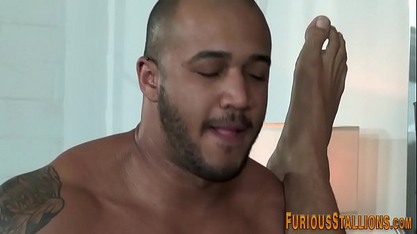 Built ebony hunk sperms