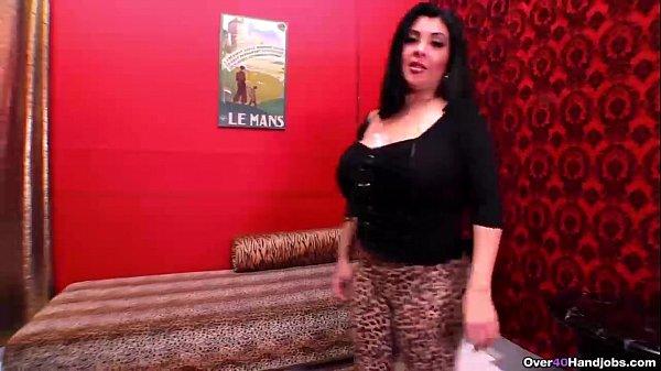 over40-Horny milf with big boobs handjob