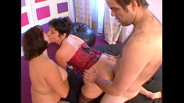French mature fuck with a young girl
