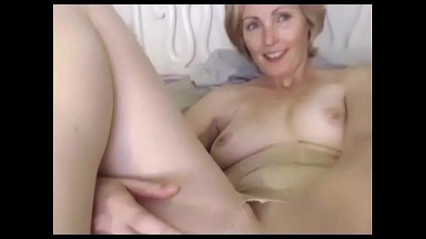 Milf pussy vibrating show xxx Thumb