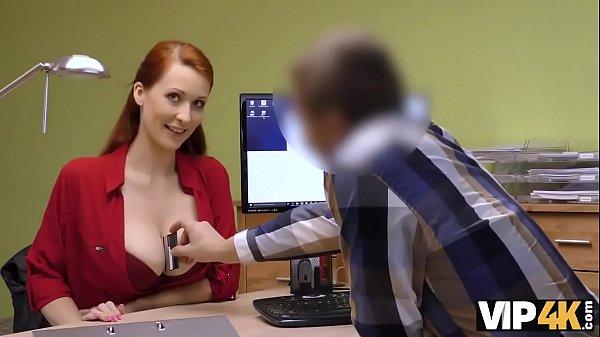 VIP4K. La ragazza vuole aprire un centro per animali domestici, quindi perché fa sesso in prestito