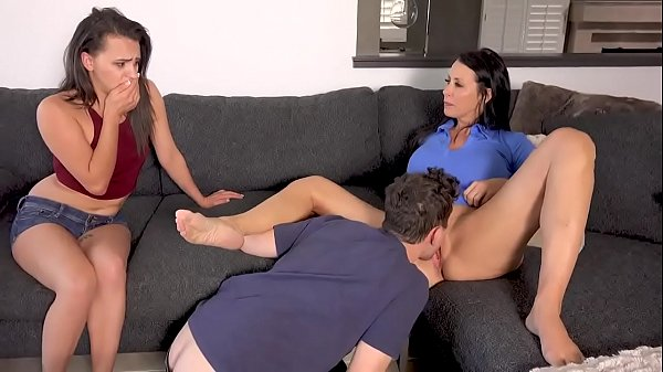 son makes a threesome with his mother and his sister - MOMSAW.COM Thumb