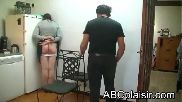Une fessée punitive réelle