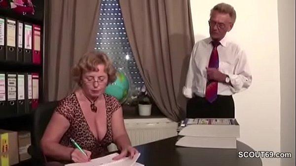 Auch Oma und Opa lieben es hart zu ficken Thumb