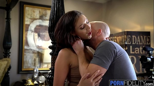 PORNFIDELITY Bella Rolland Takes on Big White Dick
