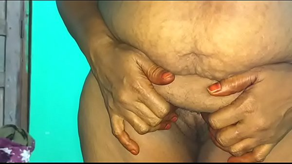 Hot Indian Mom playing desi house wife live bro...