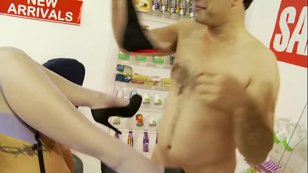 Hot busty bombshell fucked hard on table by 2 cocks Thumb