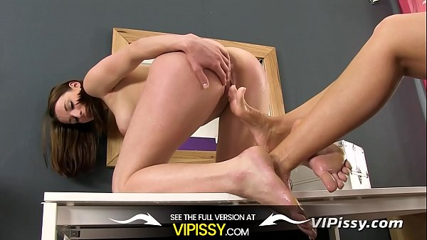 Foot Fetish Fun Gets Messy With Golden Showers