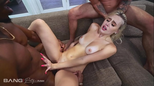 Pretty And Raw - Blonde Teen Treats Herself To ...