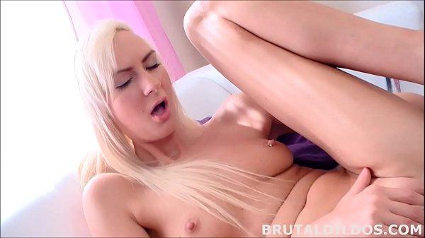 Lenny Elleny fucking a b. dildo until she squirts