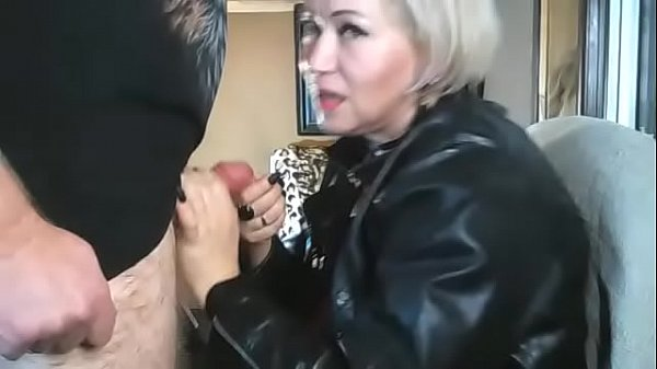 AimeeParadise licks the anus of the spouse at t...