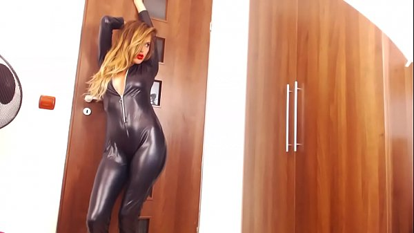 Me in Latex Hot Dancing Check my Profile