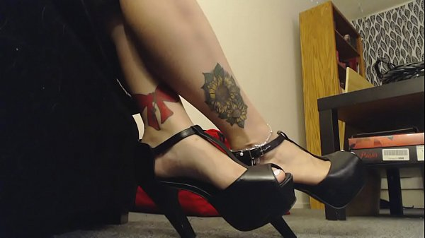 Giantess Mistress wears High Heels to Tease Little Man Thumb
