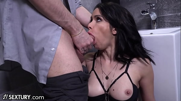 21Sextury Jessy Jey Gets Dolled Up For The Best Deepthroat and Anal Ever