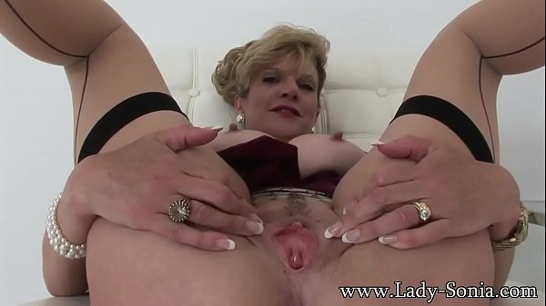 Lady-Sonia I Want You To Finger Me