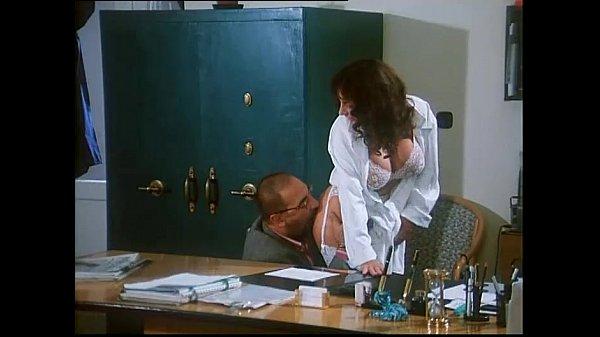 Sarah Young in Le porcone volanti 2 (Mario Bianchi) - XVIDEOS.COM