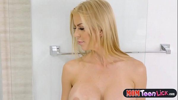 Teen makes big boobs MILF pussy squirt in the shower