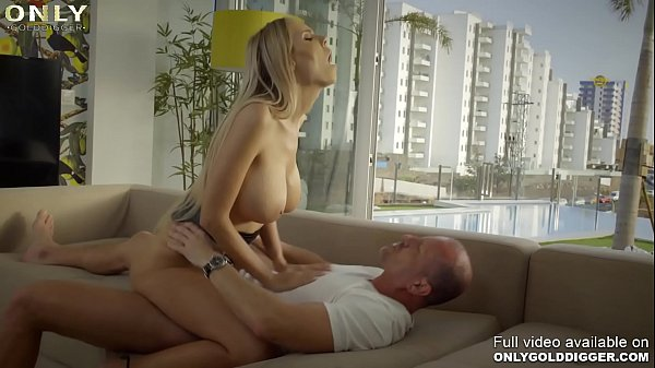 Only3x (GoldDigger) brings you - Gold Digger slut Florane Russell prefers fucking to photos Thumb