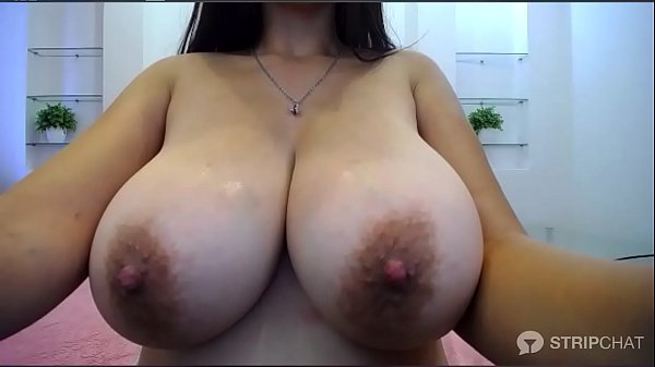 Brunette European camgirl toys her pussy and pl...