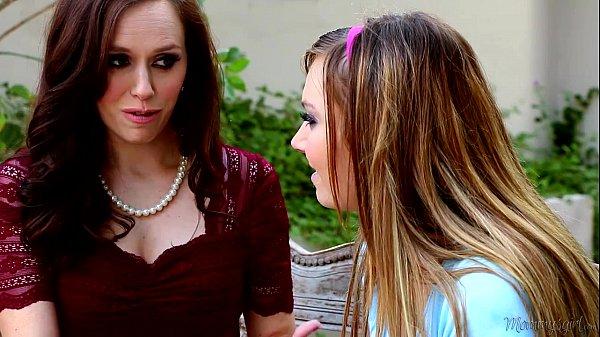 Mommy's Girl - Tiff Bannister, Savannah Fyre