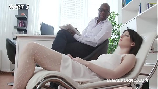 Psico Doctor Sara Bell #1, Mike starts the session! Balls Deep Anal, Cremapie to Swallow GIO1002 Thumb