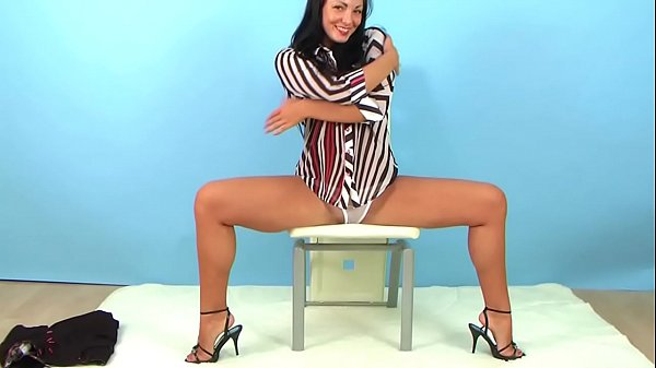 Flexible Russian girl strips