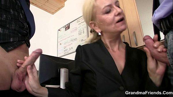 She sucks and fucks two cocks at job interview Thumb